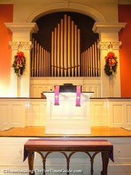 First_Presbyterian_Church_pipe_organ.JPG