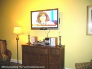 Island_Links_RCI_timeshare_living_room_HDTV.JPG
