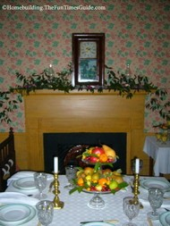 Root_House_fireplace_mantel.JPG