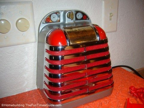 Solotone-Entertainer-coin-operated-jukebox-speaker