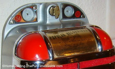 Solotone_Entertainer_coin_operated_jukebox_speaker_closeup.JPG