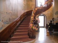 Tate_House_Pink_Palace_grand_staircase.JPG