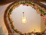 Tate_House_grand_staircase_decorated_handrail.JPG