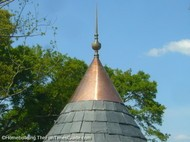 Victorian_turret_tower_solid_brass_finial.JPG