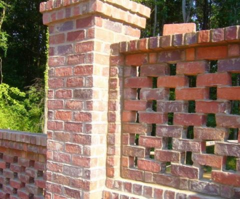 This is the classic version of a pierced brick fence