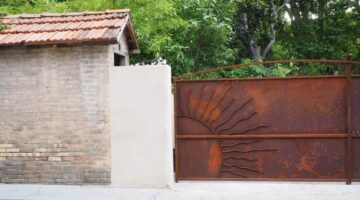 Choosing The Best Driveway Gate + Tips For Installing Driveway Gates Yourself