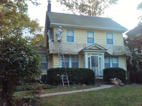 painting your home 39 s vinyl siding is one home improvement project that