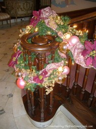 grand_staircase_decorated_newel_post.JPG