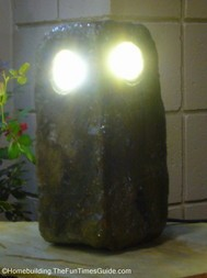 stone_owl_exterior_led_light.JPG