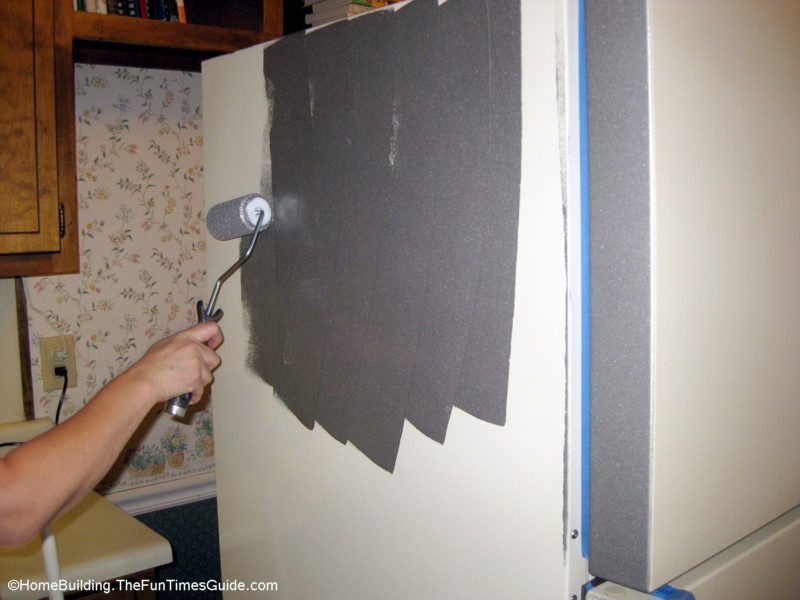 paint the top and sides first of the refrigerator then paint the. Black Bedroom Furniture Sets. Home Design Ideas