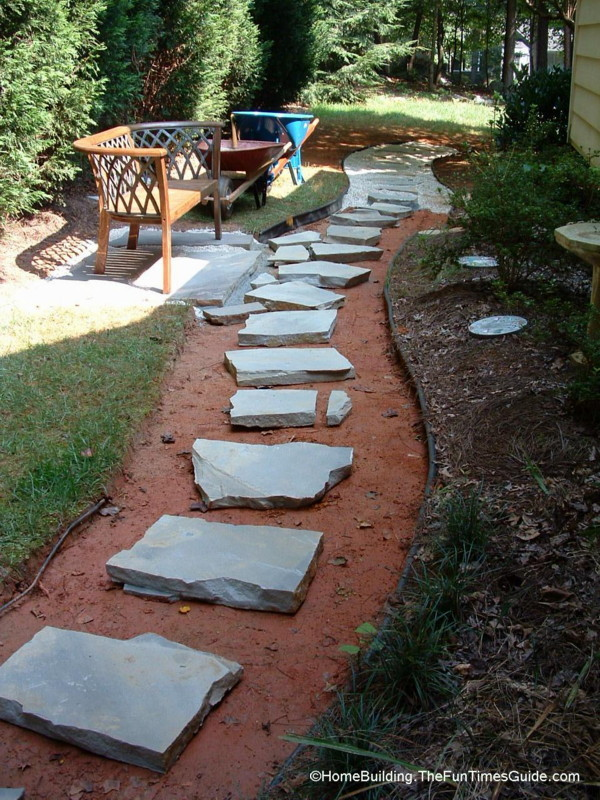diy stepping stone walkway ideas tips to build stone. Black Bedroom Furniture Sets. Home Design Ideas