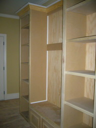 storage_galore_in_this_mudroom.JPG